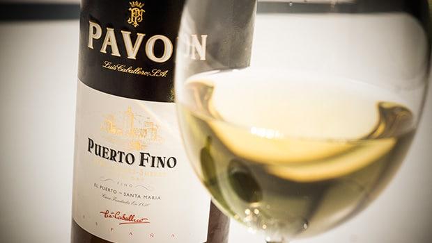 Fino: Pavón Puerto Fino (Luis Caballero)