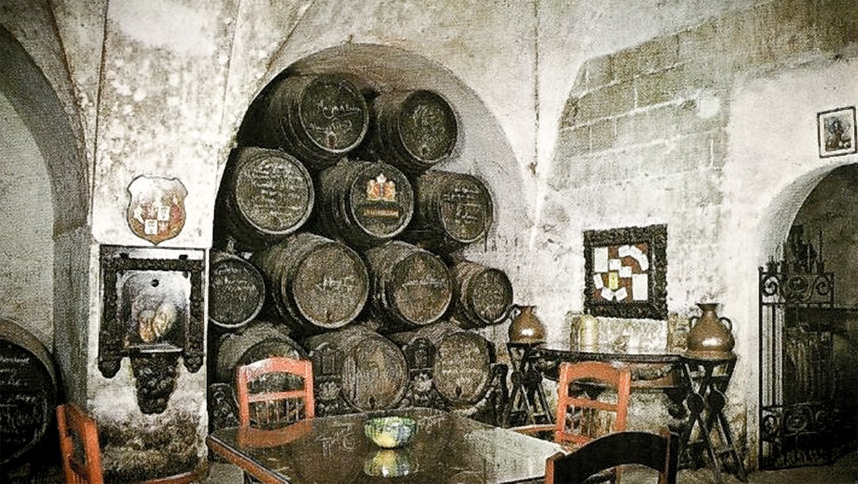 The old monastery / bodega in the Calle Cristal